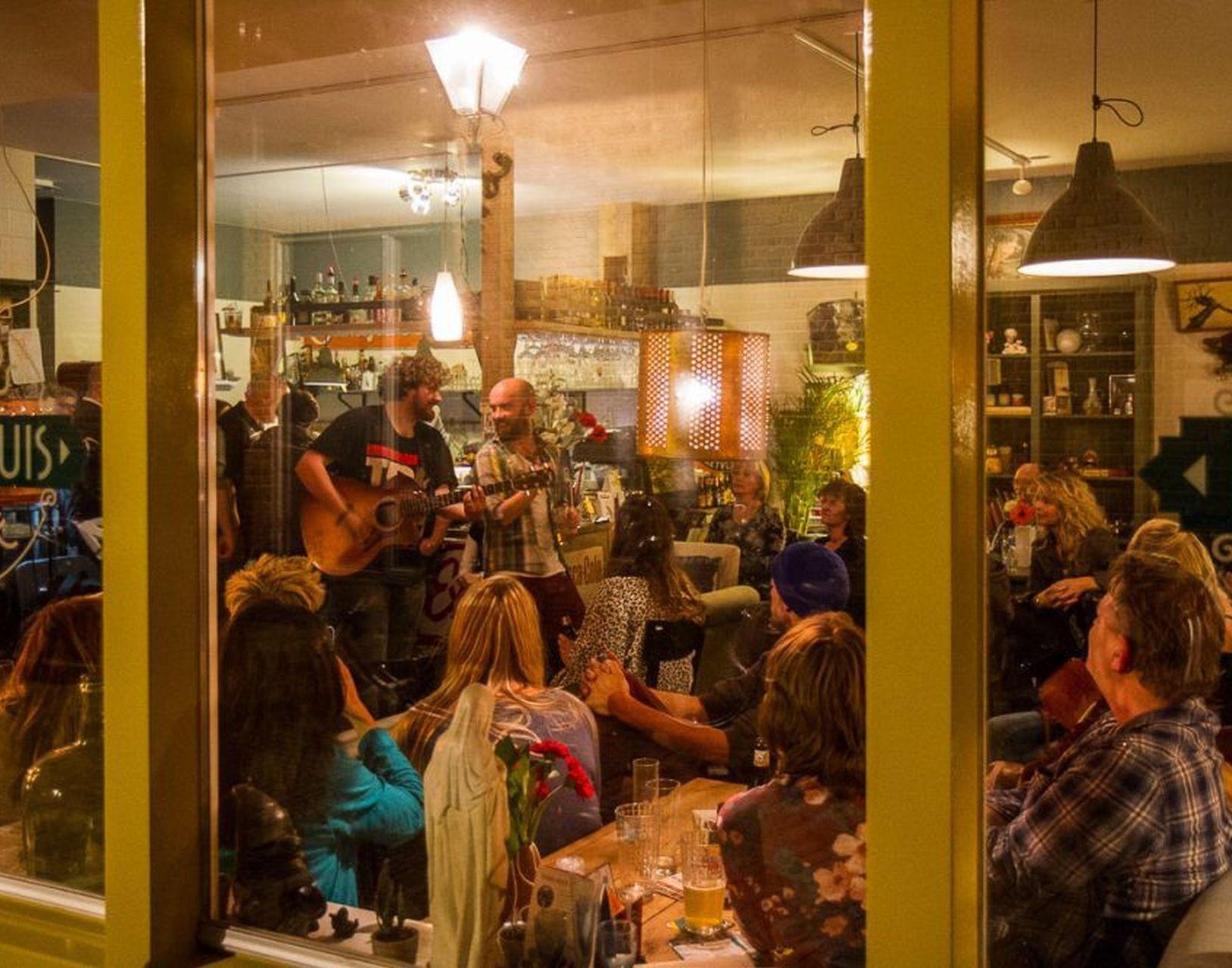Daniel Cane & The Rebellion stond in De Tamboer tijdens de vierde editie van het Singer-songwriter Festival.