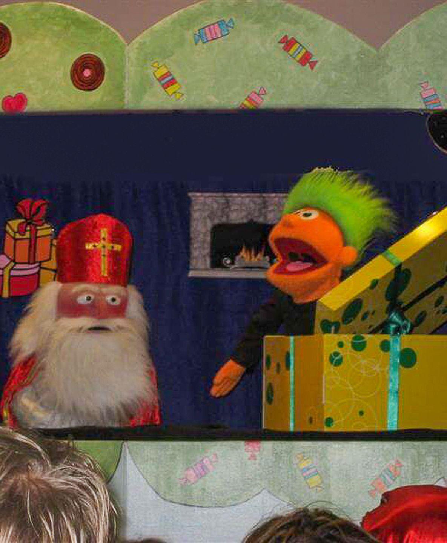 Een cadeau voor Sinterklaas is een interactieve poppenkastvoorstelling van Theater Fantast