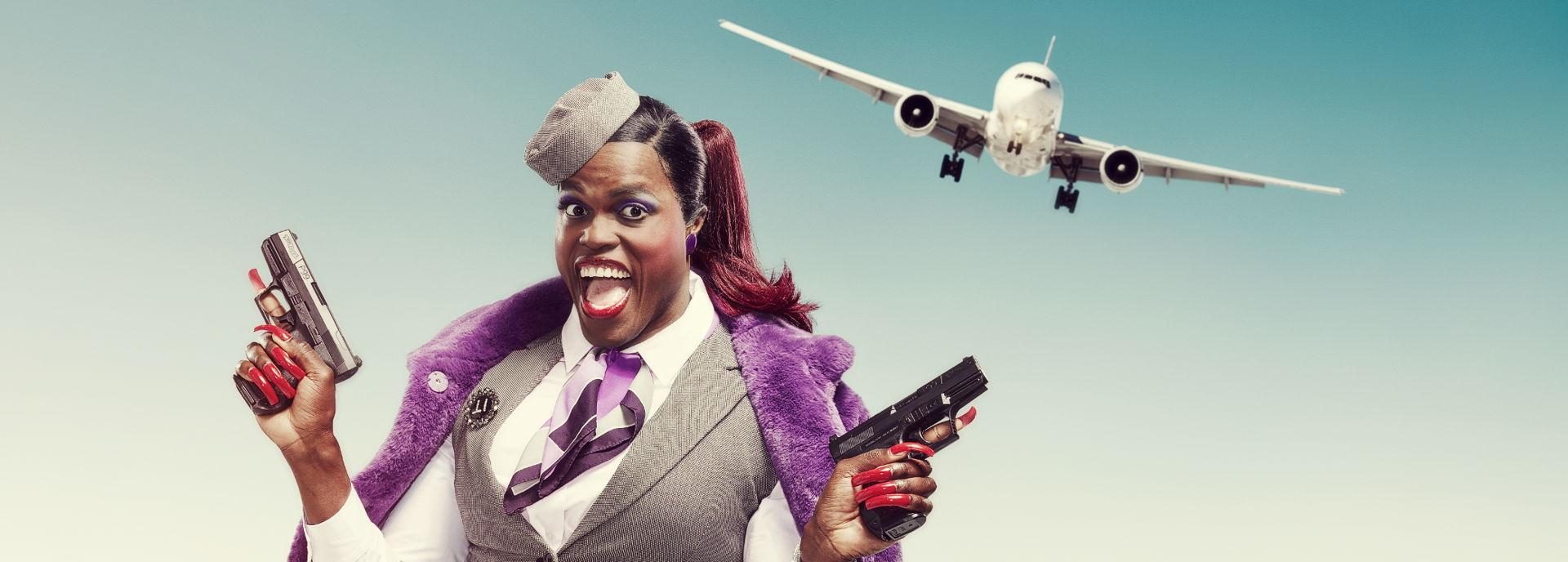 Jandino Asporaat kruipt in de huid van Judeska. Ze krijgt nog een keer de kans om aan het werk te gaan: als stewardess. Maar dat is niet zo glamoureus als het klinkt...