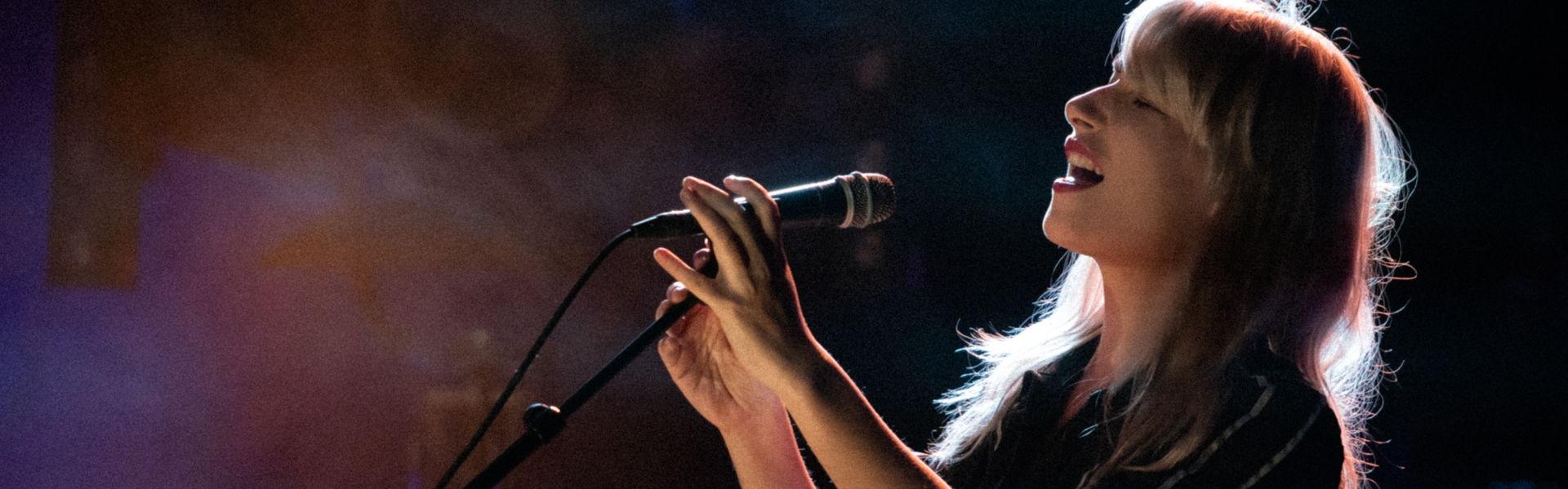 Meis speelde tijdens Locked & Live op 10 december in Het Podium, foto's door Photo Anya.
