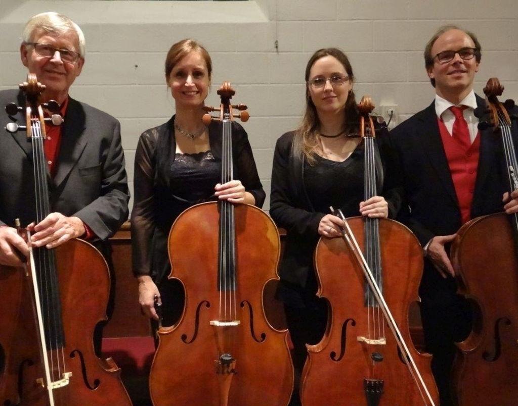 De vaste bezetting van dit ensemble bestaat uit drie graag gehoorde en geziene cellisten van het NNO: Jan Ype Nota, Corine 't Hoen en Isabel Vaz. Het kwartet wordt compleet met een gast-cellist. Op het programma staan werken van Telemann, Bach, Klengel, Goltermann, Pärt en Gershwin. Een afwisselend programma dus!