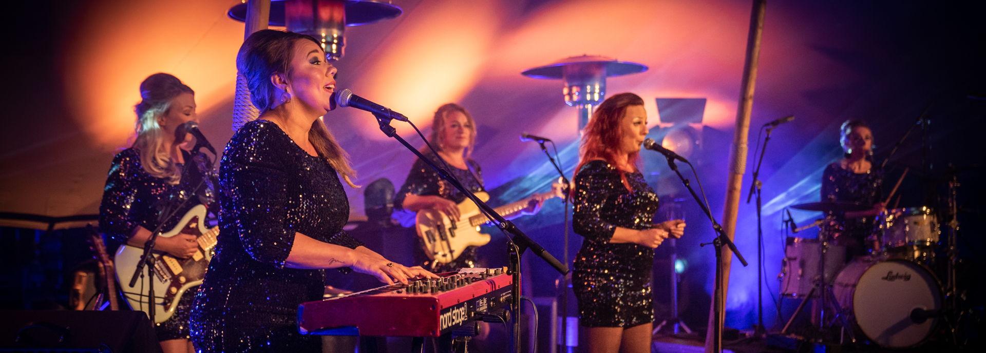 The Bluebettes speelden 26 september twee tuinconcerten in Hoogeveen.