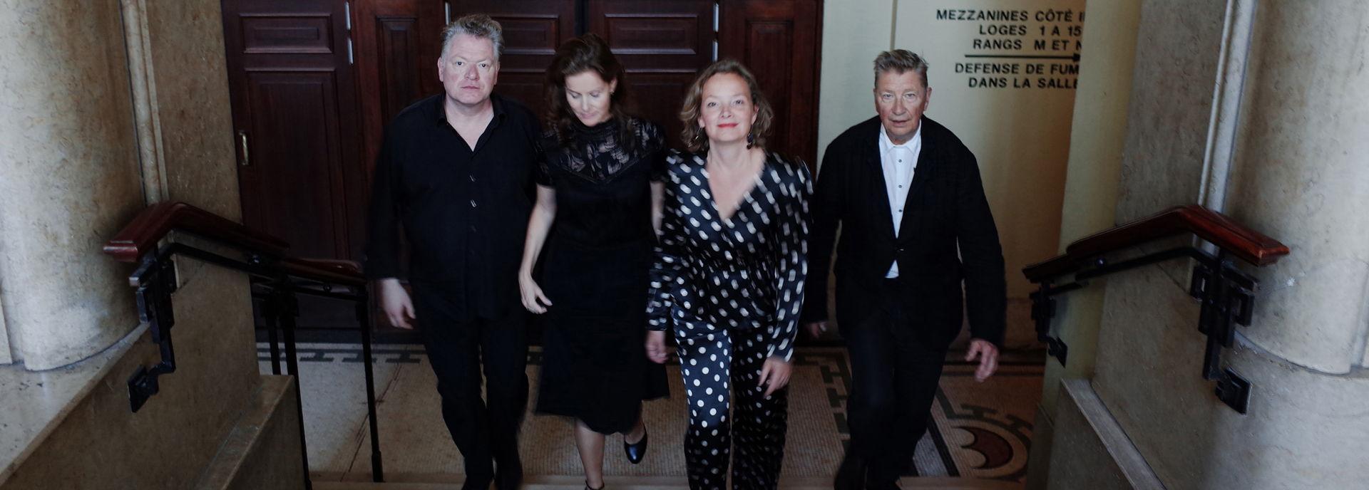 Het Avalanche Quartet, bestaande uit Henk Hofstede, Marjolein van der Klauw, Arwen Linnemann en Pim Kops, brengt een nieuw theaterprogramma rondom het werk van de legendarische Leonard Cohen.