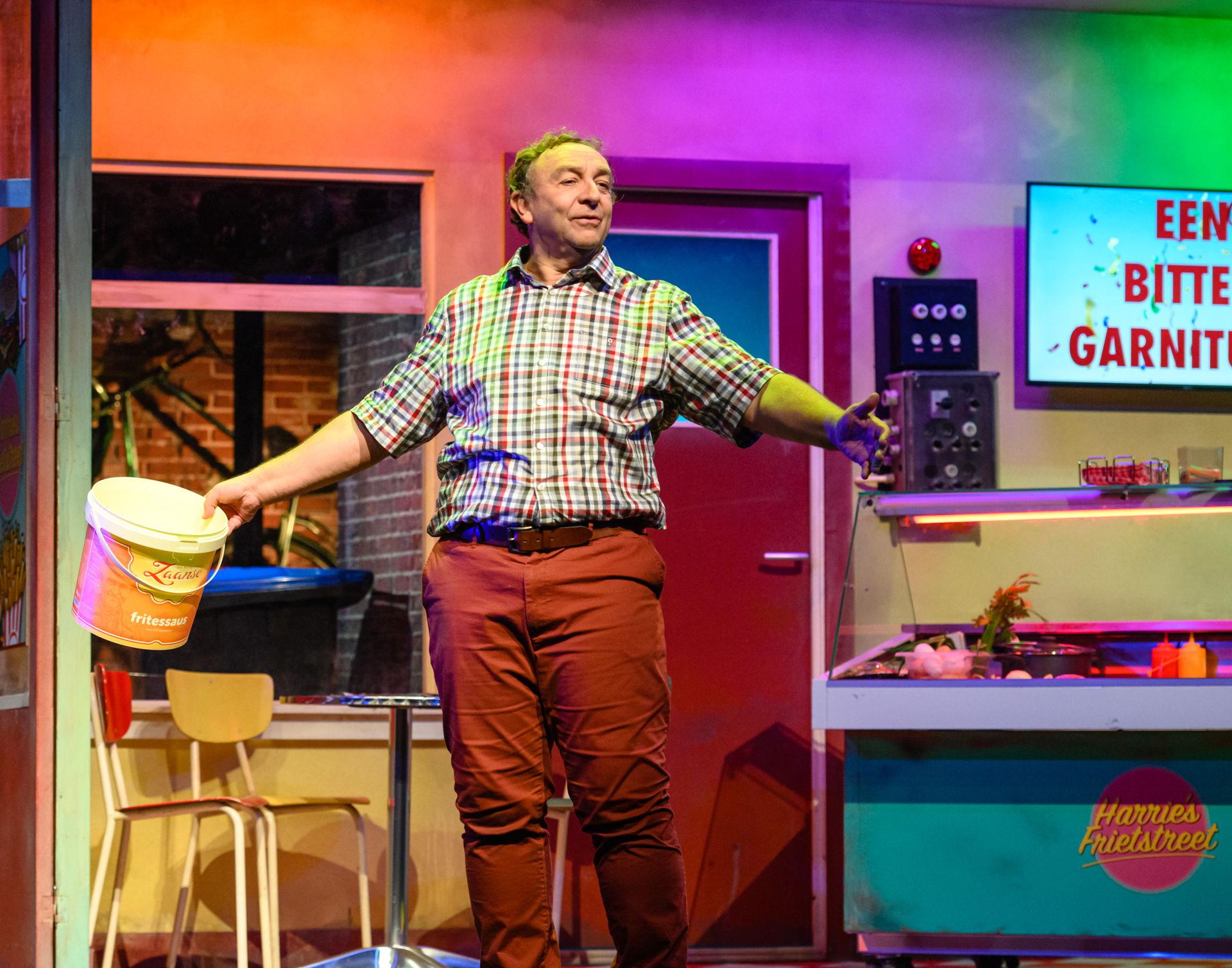 Jon van Eerd staat in 2021 in De Tamboer met zijn voorstelling Herrie in de keuken