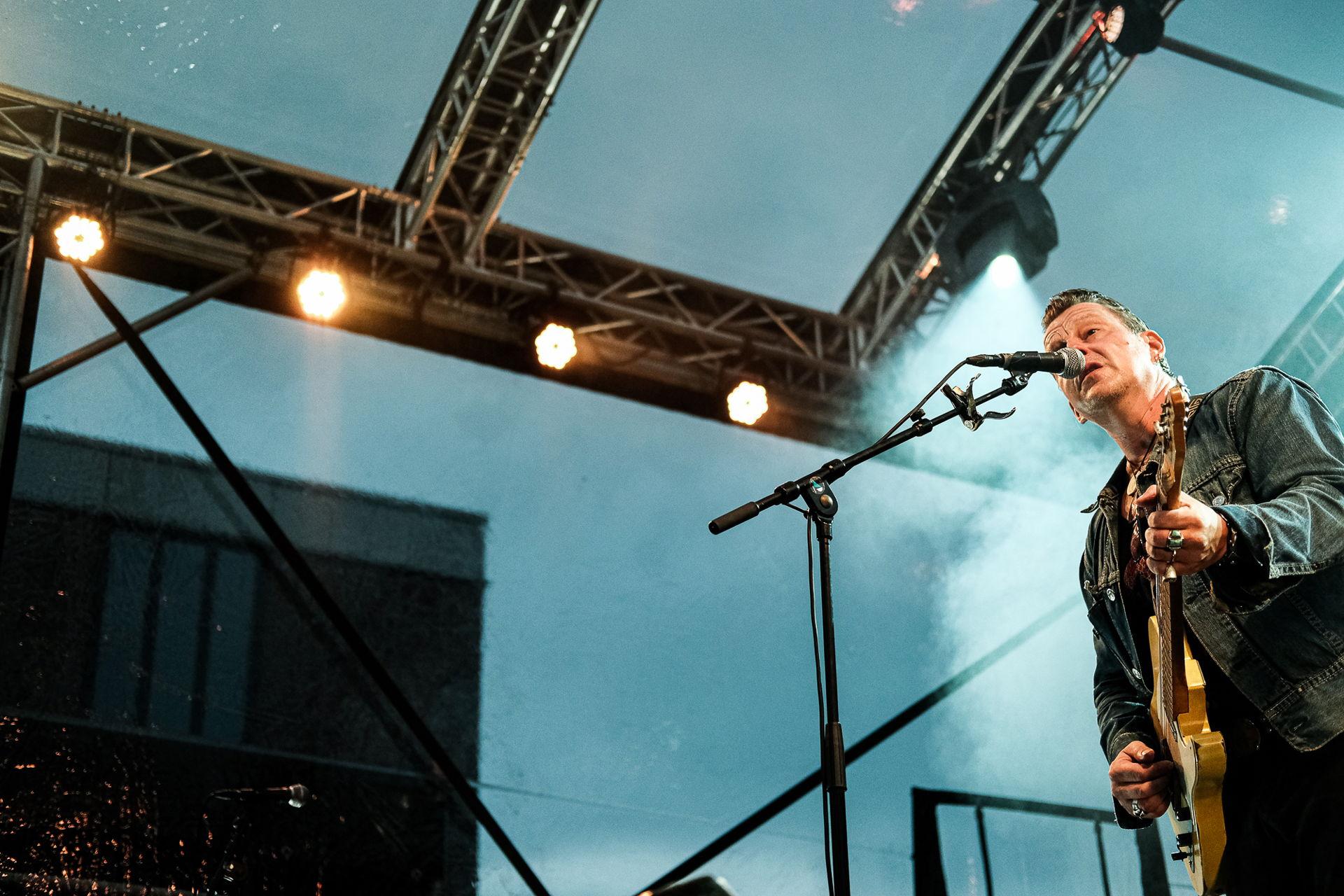 Tuinconcert Ian Siegal 2021 - Foto's Tjeerd Derkink
