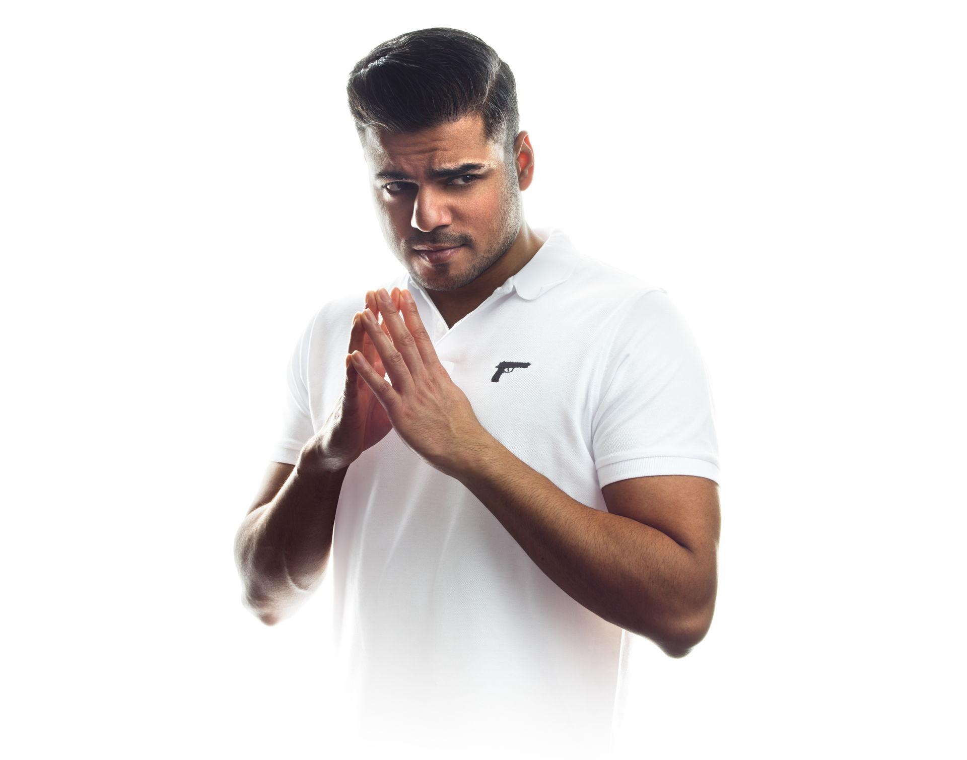 Rayen Panday met zijn nieuwe show Trigger