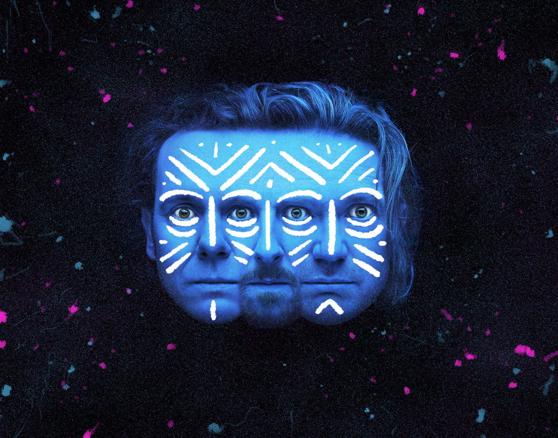 Rebels, onverschrokken, hilarisch, muzikaal, ongeëvenaard… De Ashton Brothers zijn terug! In hun gloednieuwe show gaan Pim, Joost en Friso op zoek naar de kern van hun broederschap.