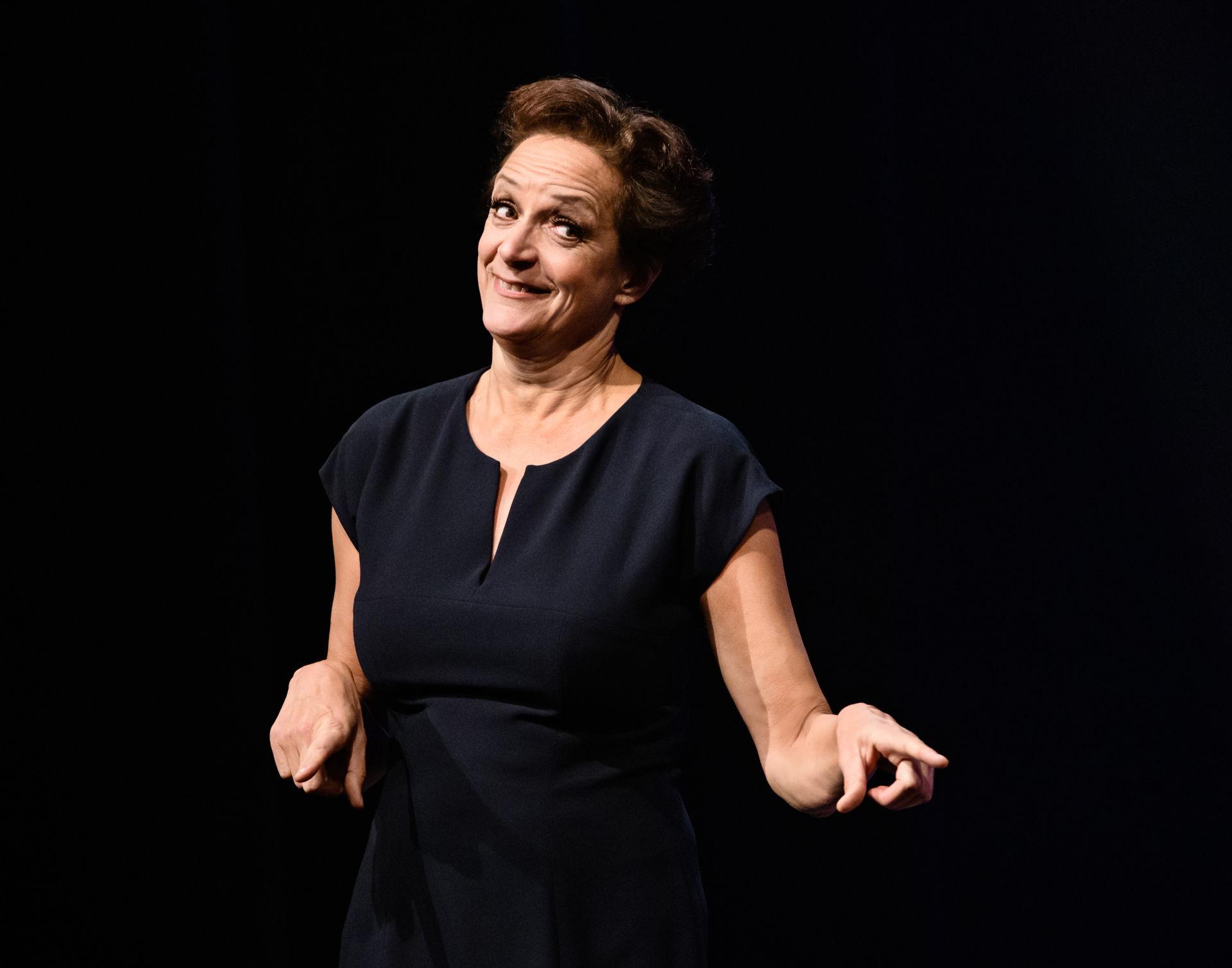 Lenette van Dongen won de Poelifinario voor haar show Paradijskleier.