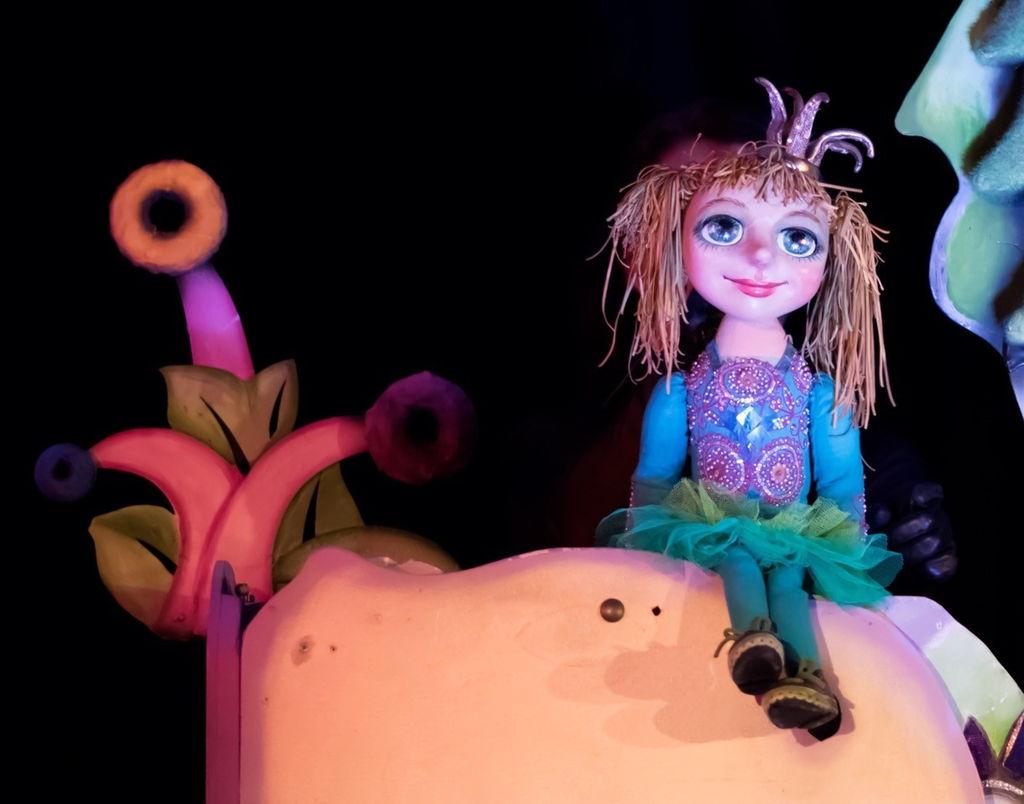 Poppentheater Koekla speelt De Kikkerprinses