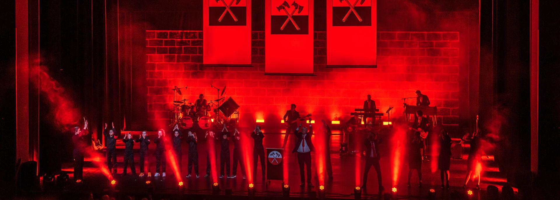 Pink Floyd Project is een unieke ode aan één van de meest invloedrijke rockbands uit de popgeschiedenis en staat bekend om hun imposante show vol licht, visuals en special effects.
